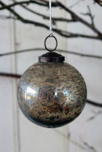 crackled-heavy-glass-bauble-smoke-lustre-22848-p[ekm]335x502[ekm]