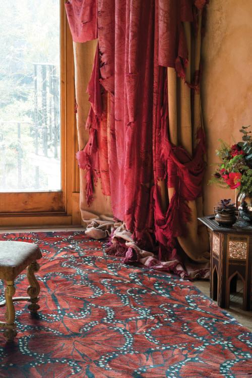 alexander-mcqueen-monarch-fire-roomset_large_1