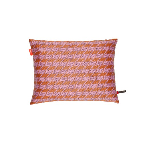 pillows-maharam-repeat-classic-houndstooth-pink_f_218303_master