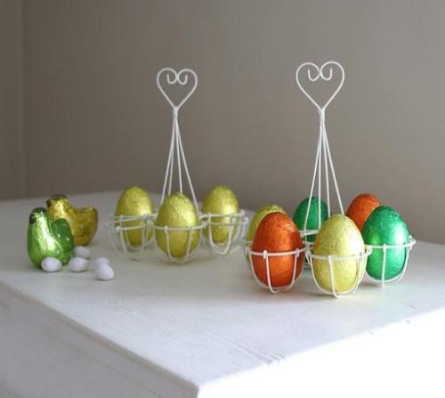 Red Lilly egg holder