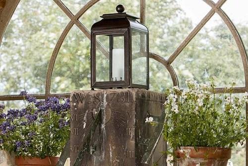 Charles Edwards, Mews Gatepost Lantern