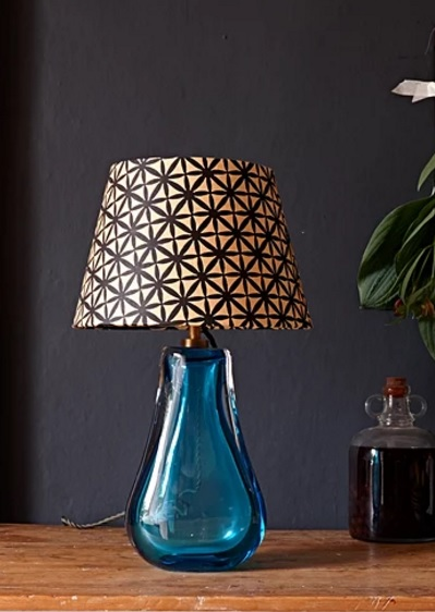 Iris table lamp in turquoise from pooky